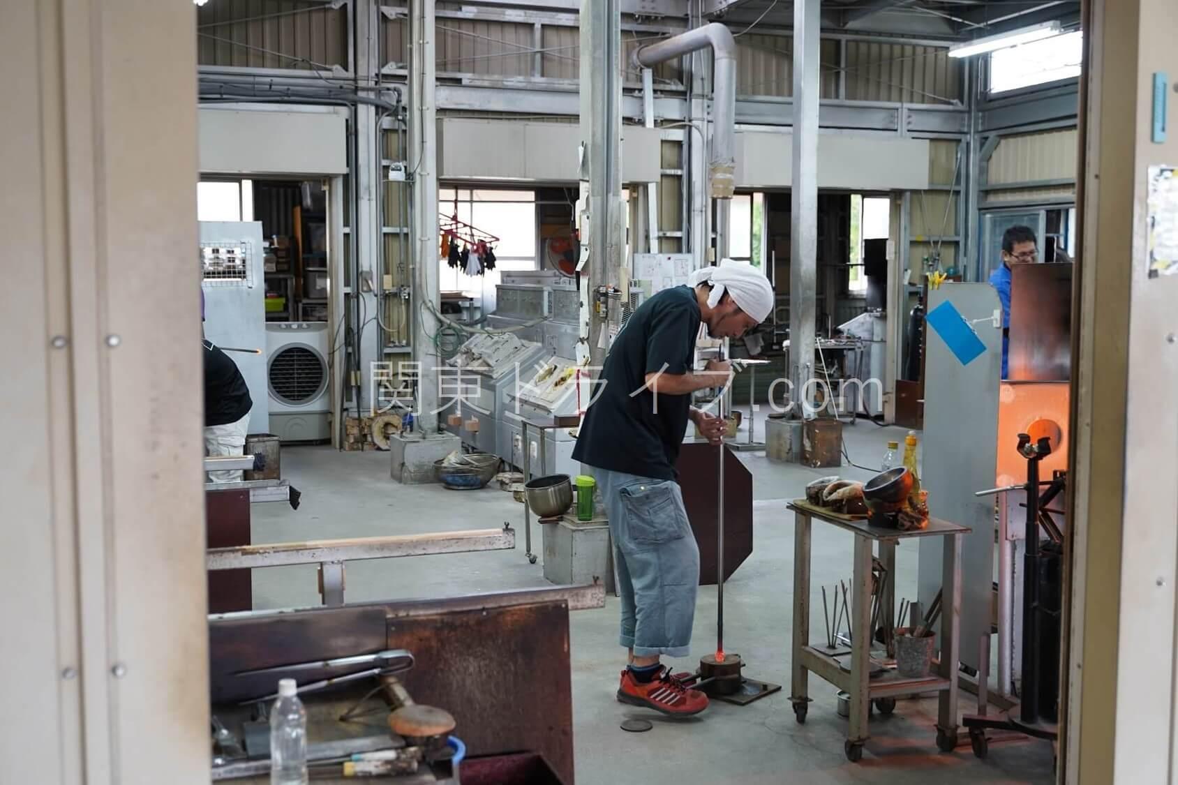 「匠工房」の琉球ガラス作成体験コーナー