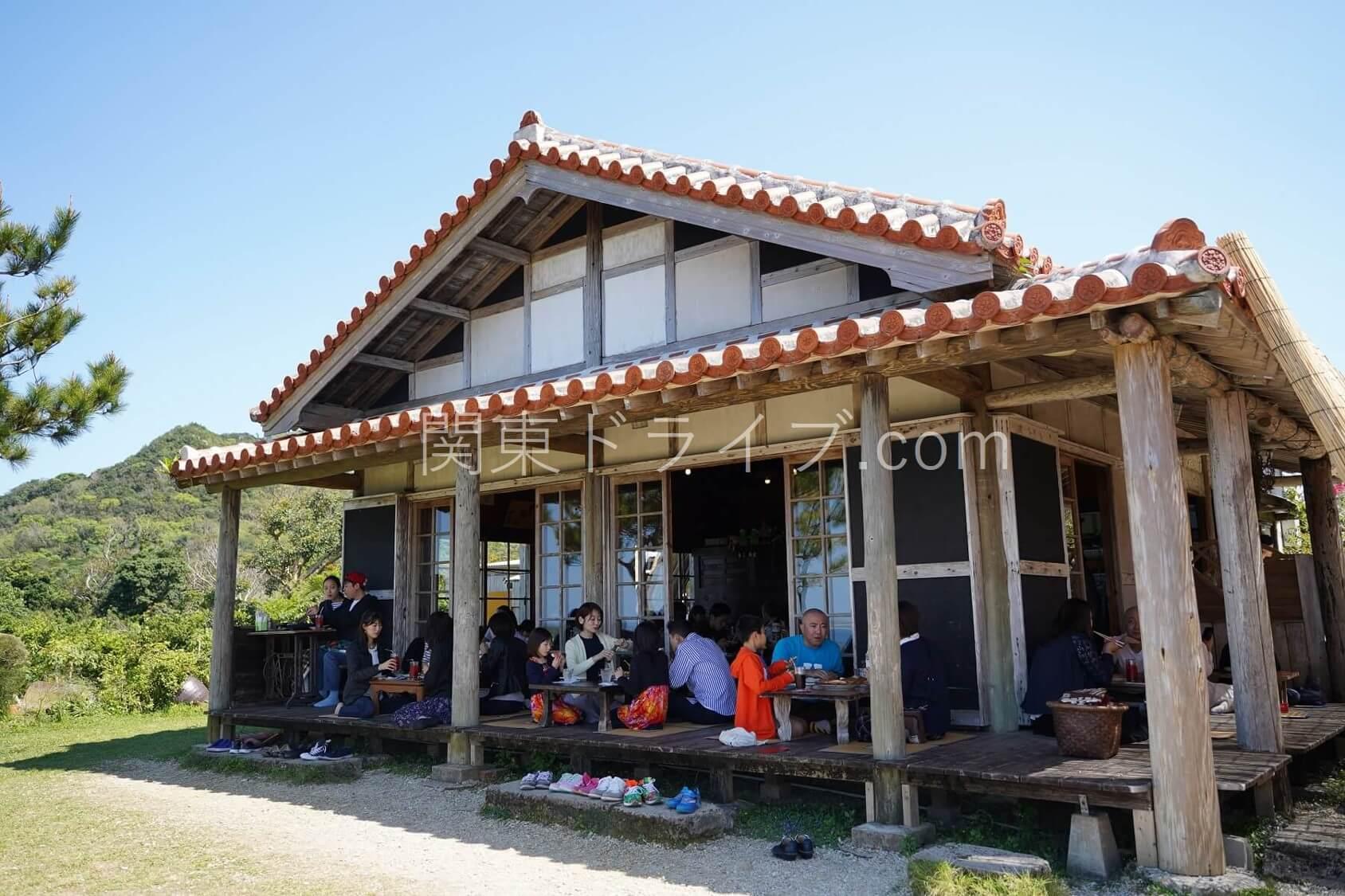 沖縄の絶景ピザ喫茶「花人逢」の外観1