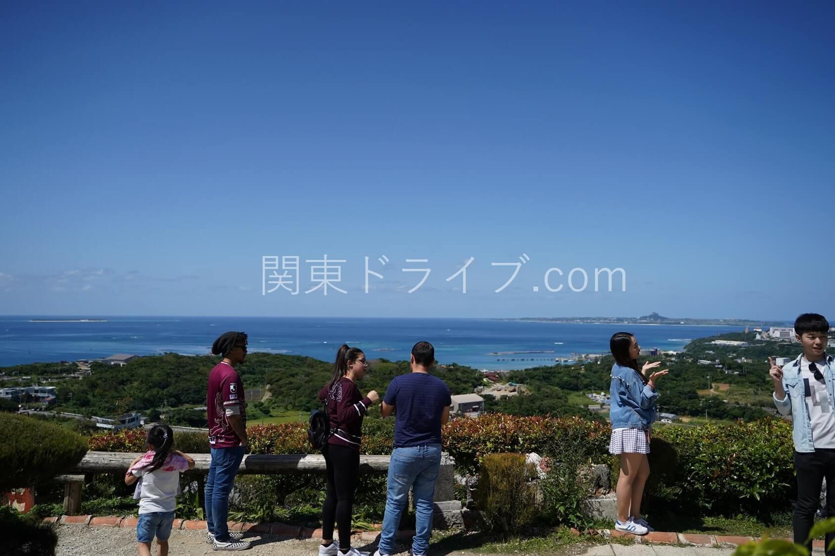 沖縄の絶景ピザ喫茶「花人逢」の外観2