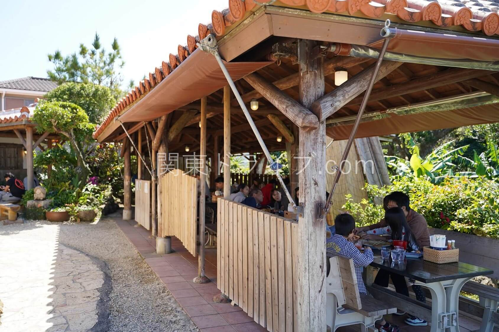 沖縄の絶景ピザ喫茶「花人逢」の外観3