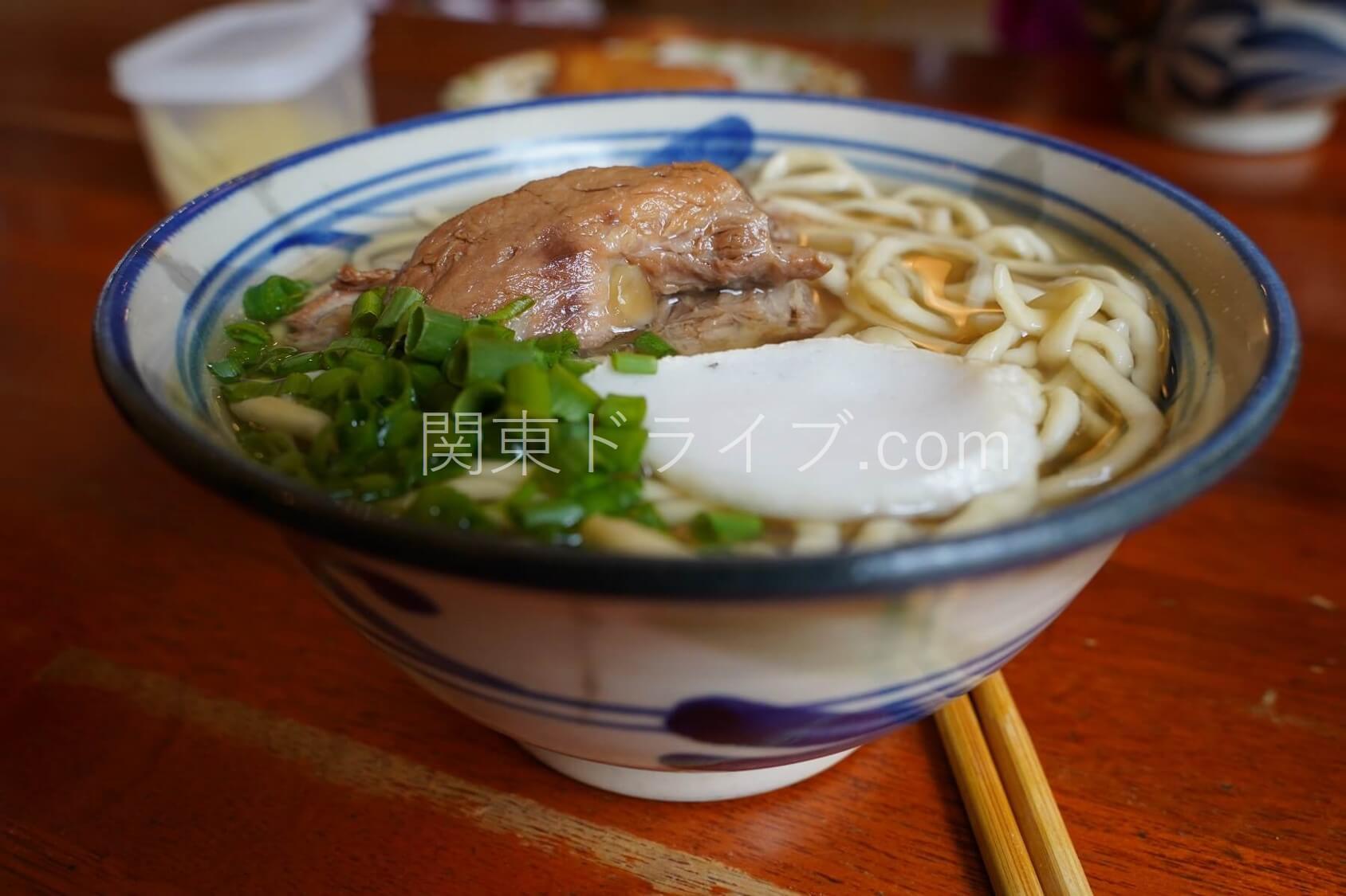 沖縄そば「たから家」の料理1